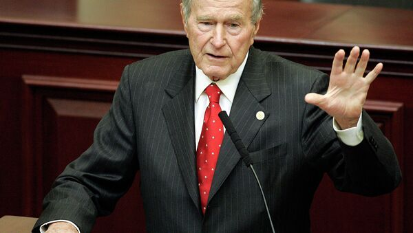 Former President George H. W. Bush speaks at a leadership forum, Monday, Dec. 4, 2006, in Tallahassee, Fla. Bush was invited to the forum by his son Gov. Jeb Bush. - Sputnik International