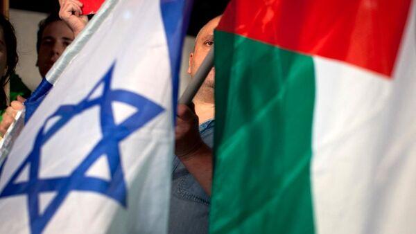 Israel and Palestine flags - Sputnik International