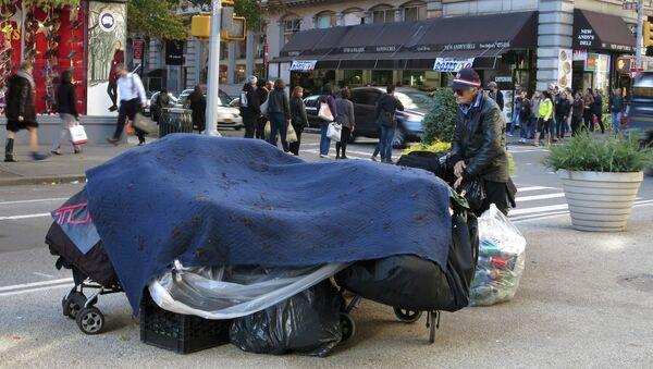 A makeshift homeless shelter on the streets of New York City. - Sputnik International