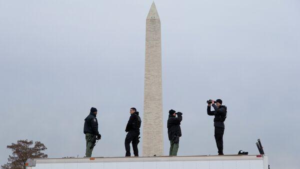 Members of the Secret Service counter assault team provides security. - Sputnik International