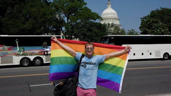 Gay rights activist celebrates SCOTUS victory in June, 2013. - Sputnik International