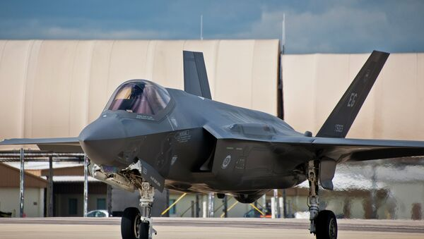 The F-35 fighter jet is among the U.S. weapons programs that showed significant vulnerabilities to cyber attacks during testing by the Pentagon last year. - Sputnik International