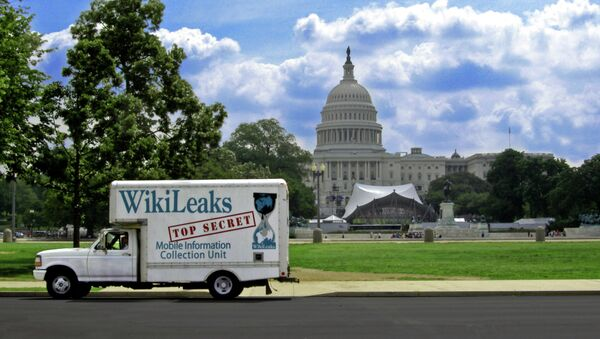 Wikileaks is outraged that the digital data of three of its staffers' was handed over to the FBI by Google. - Sputnik International