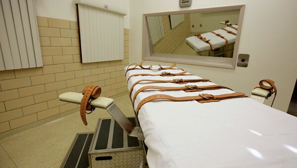 This Oct. 9, 2012 file photo show the lethal injection chamber of the South Dakota State Penitentiary in Sioux Falls. Attorney General Marty Jackley has asked South Dakota court officials to set a spring execution date for Rodney Berget, convicted and sentenced to death for the April 2011 killing of Sioux Falls prison guard Ronald Johnson. - Sputnik International