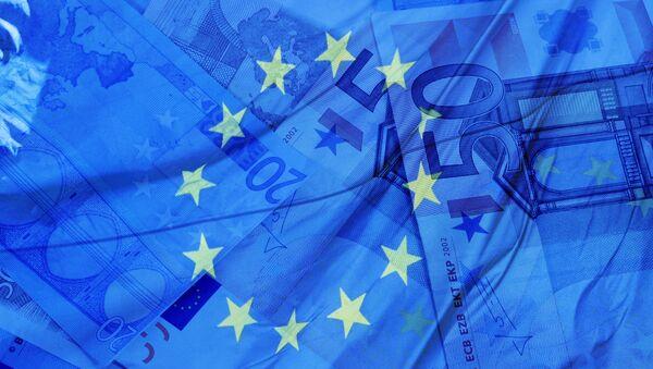 Money and flag of the European Union - Sputnik International