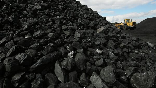 Donetsk authorities halt coal sales talks with Kiev over ceasefire violations - Sputnik International