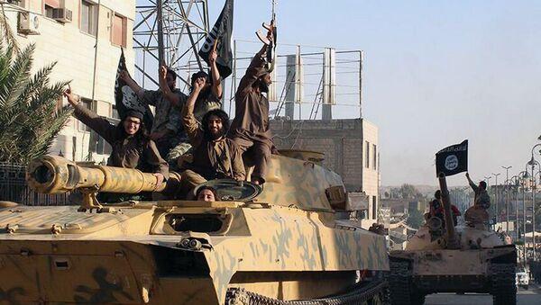 Islamic State militants during a parade in Raqqa, Syria. - Sputnik International