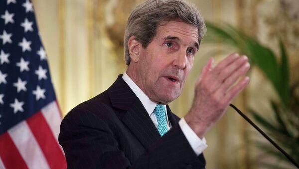 U.S. Secretary of State John Kerry speaks to the media at the U.S. Ambassador's residence in Paris November 5, 2014 - Sputnik International