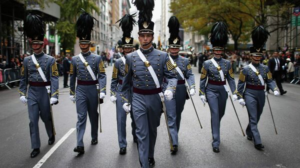 Cadets from the United States Military Academy at West Point, New York march during the Veterans Day parade on 5th Avenue in New York November 11, 2014 - Sputnik International