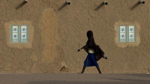 A girl walks in Gao, Mali - Sputnik International