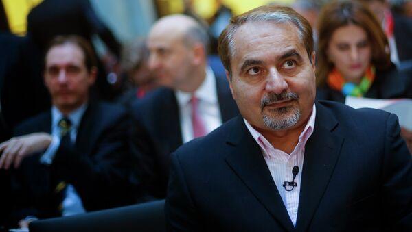 Hossein Mousavian, center, former spokesman of Iran's nuclear diplomacy team for negotiations with the International Atomic Energy Agency - Sputnik International