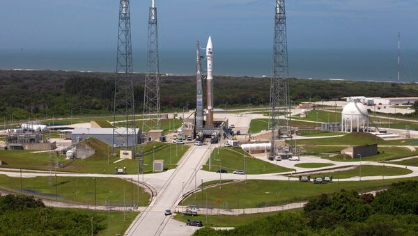Ракета Atlas V со спутниками RBSP (Radiation Belt Storm Probes) на стартовой площадке 41 космодрома на мысе Канаверал - Sputnik International