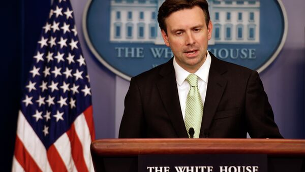 The White House would not confirm whether former US deputy defense secretary Ashton Carter was US President Barack Obama's top nominee as the new defense secretary. - Sputnik International