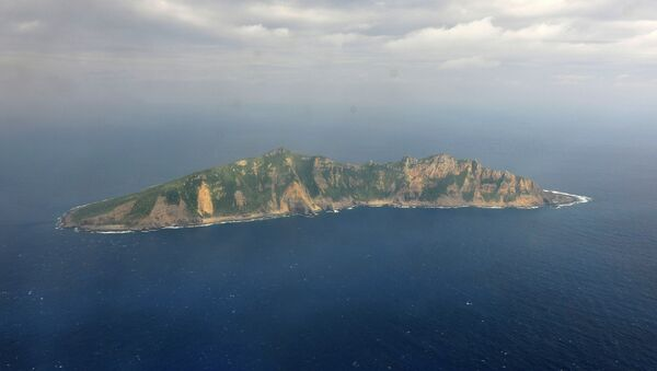 One of the small islands in the East China Sea known as Senkaku in Japanese and Diaoyu in Chinese. (File) - Sputnik International