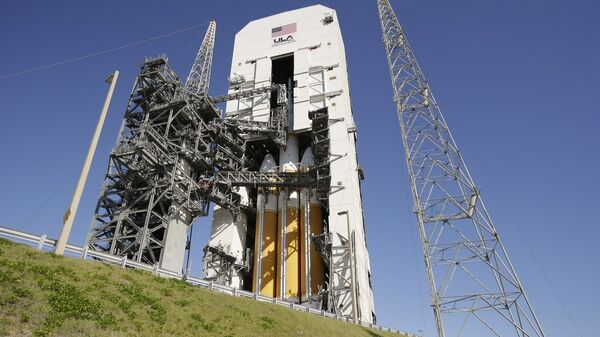 The NASA Orion space capsule is seen atop a Delta IV rocket ready for a test launch at the Cape Canaveral Air Force Station, Wednesday, Dec. 3, 2014 - Sputnik International