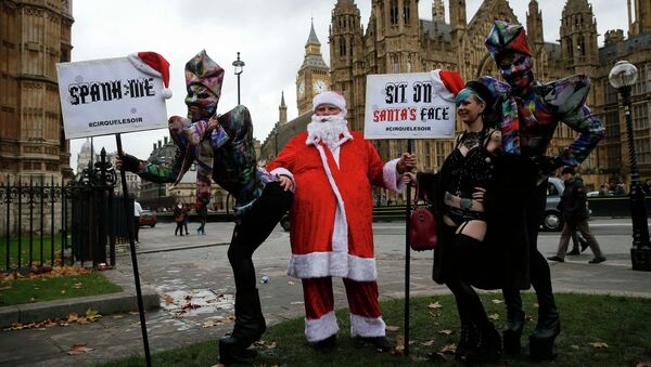 Protesters take part in a demonstration against new laws on pornography outside parliament in central London - Sputnik International