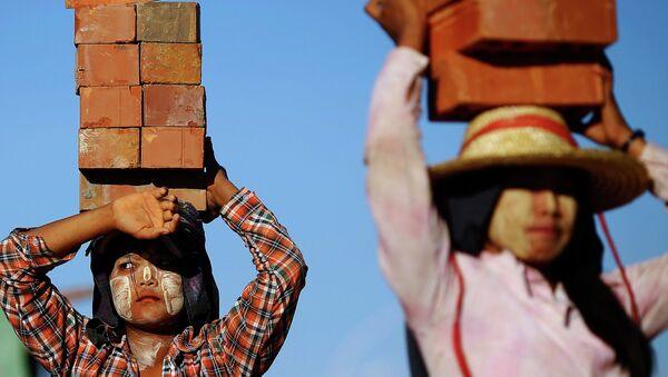 Workers in Myanmar - Sputnik International