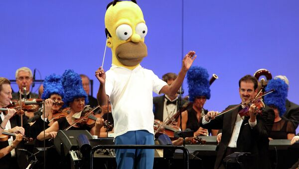 The orchestra, led by conductor Thomas Wilkins in a Homer Simpson costume, performs at the world premiere of The Simpsons Take the Bowl at the legendary concert venue in Los Angeles - Sputnik International