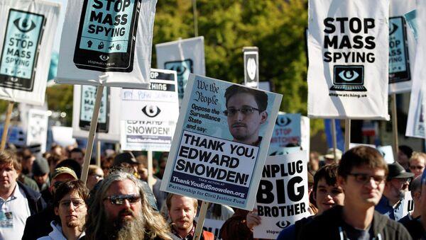 Demonstrators march through Washington - Sputnik International