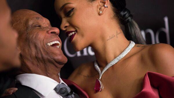 Singer Rihanna and her grandfather Lionel Braithwaite - Sputnik International