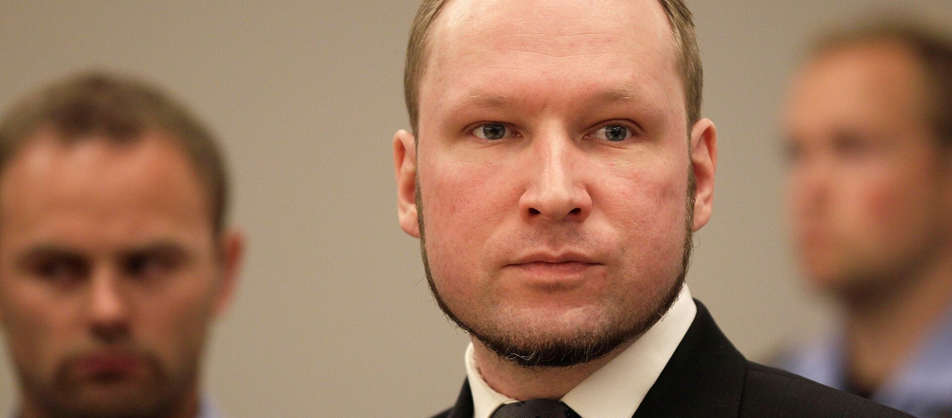 Anders Behring Breivik listens to the judge in the courtroom, Friday, Aug. 24, 2012, in Oslo, Norway - Sputnik International, 1920, 22.07.2021