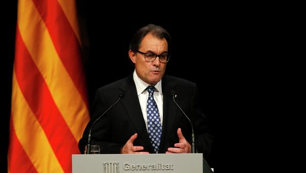 The Christmas speech by Spanish King Felipe VI, where he mentioned Catalonia, could become the first step toward efforts to resolve the Catalan issue, Catalan President Artur Mas said Thursday. - Sputnik International