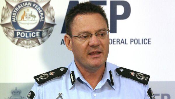 Australian Federal Police Deputy Commissioner Michael Phelan speaks to the media - Sputnik International