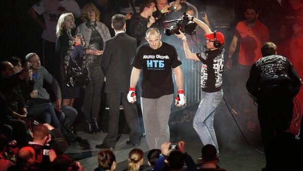 A Ukrainian mixed martial artist Oleksiy Oliynyk will soon receive a Russian citizenship - Sputnik International