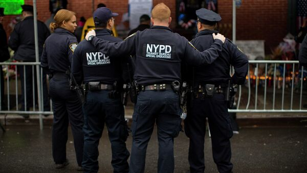New Jersey Muslims, who have filed a lawsuit against the surveillance program of the New York Police Department (NYPD), that includes spying on mosques, have ended up in the US Court of Appeals, the Huffington Post reports. - Sputnik International