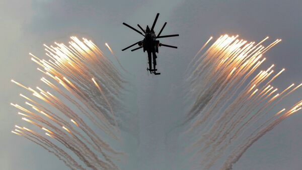 A couple of Russian Army helicopters fly over the Monument to Scuttled Ships, during a promotional campaign for contract service for Russian Army in Sevastopol - Sputnik International