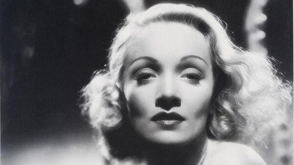 Marlene Dietrich: 'Glamour is What I Sell, It's My Stock in Trade' - Sputnik International