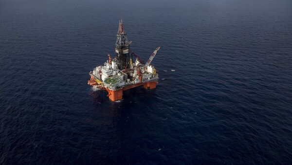 Veracruz, Mexico: La Muralla IV, semi-submersible drilling rig for ultra deep water operations, owned by Mexican Grupo R and operated by Pemex, the state-owned Mexican oil company - Sputnik International