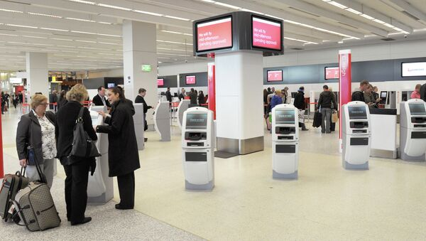 Passengers check in at Melbourne airport - Sputnik International