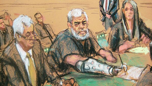 A courtroom sketch shows Abu Hamza, 56, seated with his defense lawyers Sam A. Schmidt (L) and Lindsay Lewis (R) in U.S. District court in Manhattan, New York, January 9, 2015 - Sputnik International