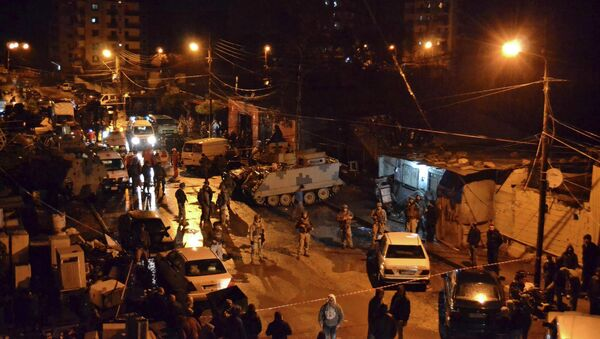 Lebanese Army soldiers man an area beside a cafe where a suicide bomb attack took place in Jabal Mohsen, Tripoli - Sputnik International