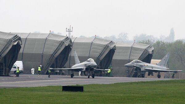 RAF Typhoon fighter aircraft at RAF base Northolt - Sputnik International