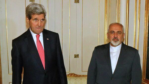 John Kerry and Iranian Foreign Minister Mohammad Javad Zarif - Sputnik International