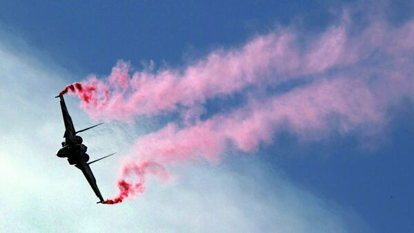 A Russian Su-30MKI fighter performs at the Moscow International Air Show in Zhukovsky - Sputnik International