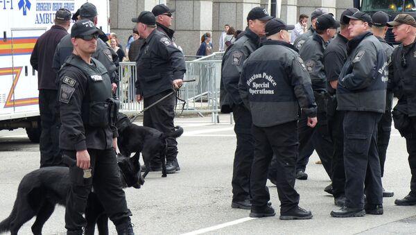 Boston police on the anniversary of a blast during the 2013 Boston Marathon. - Sputnik International
