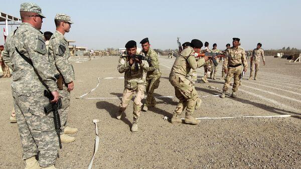 American and Iraqi trainers instruct Iraqi soldiers - Sputnik International