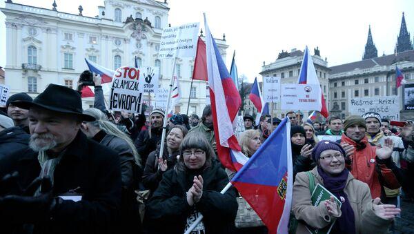 Hundreds of people gather during an anti-Islam rally in Prague, Czech Republic, Friday, Jan. 16, 2015 - Sputnik International