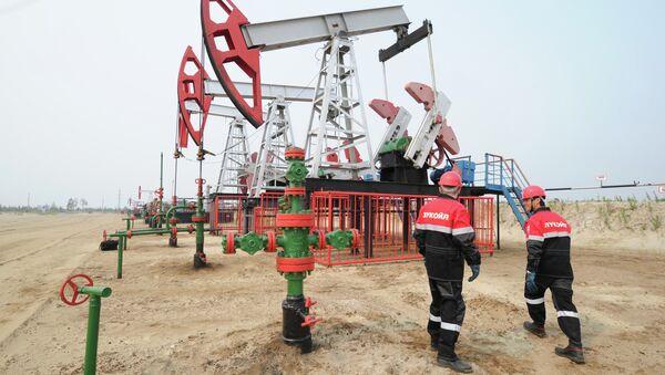 Oil production in Khanty-Mansi Autonomous District - Sputnik International
