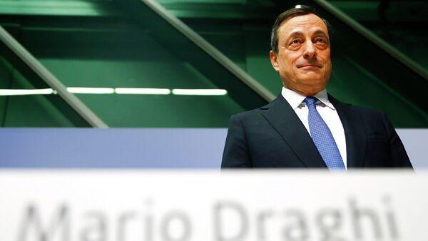 European Central Bank (ECB) President Mario Draghi arrives for an ECB news conference in Frankfurt January 22, 2015 - Sputnik International