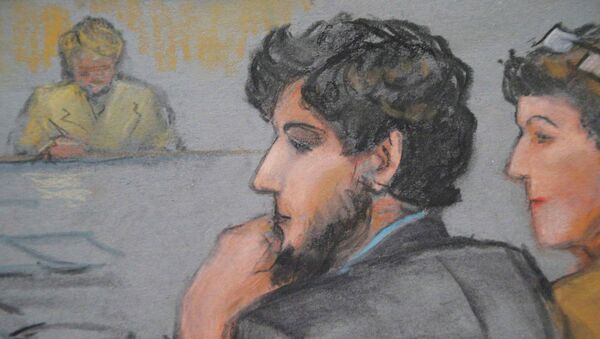 A courtroom sketch shows Boston Marathon bombing suspect Dzhokhar Tsarnaev (C) during the jury selection process in his trial at the federal courthouse in Boston, Massachusetts January 15, 2015 - Sputnik International