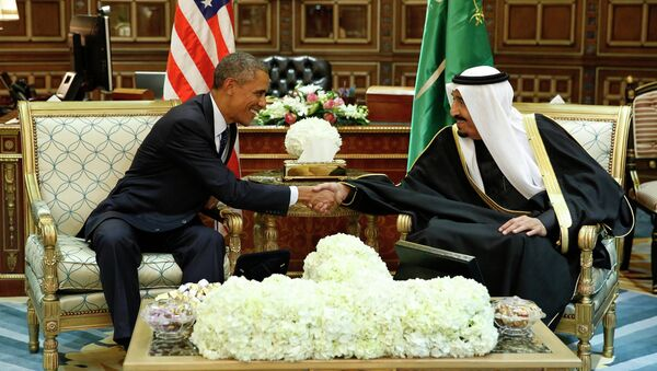 U.S. President Barack Obama (L) shakes hands with Saudi Arabia's King Salman at the start of a bilateral meeting at Erga Palace in Riyadh January 27, 2015. - Sputnik International