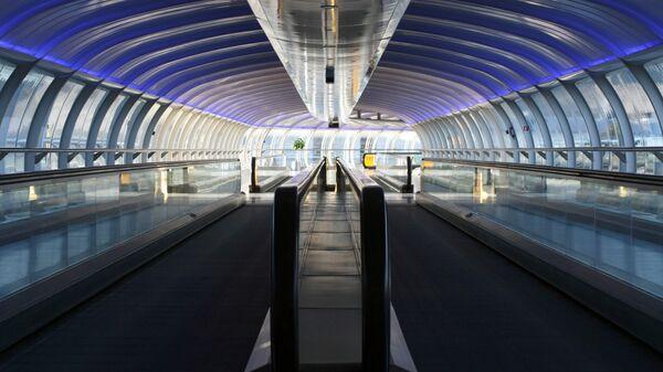 Moving Walkways at Manchester Airport - Sputnik International
