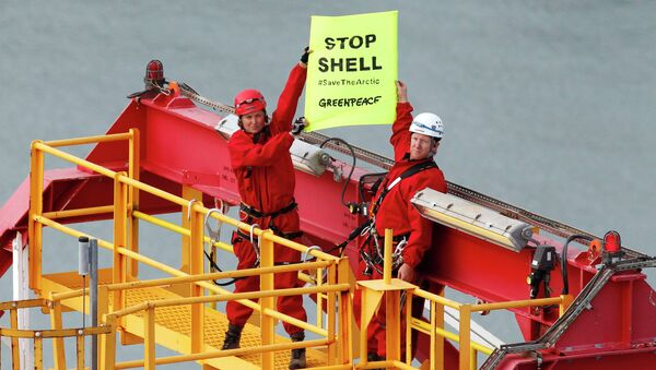 More than 13,000 people have signed a petition launched by Greenpeace to prevent the Anglo-Dutch energy company Shell from drilling on the remote Arctic coastline of Alaska - Sputnik International