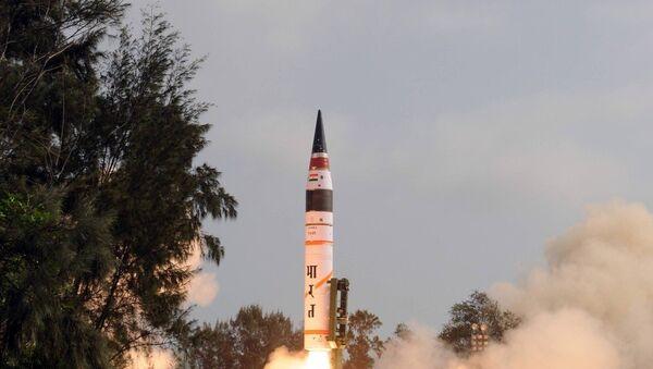 An Agni-V intercontinental ballistic missile - Sputnik International