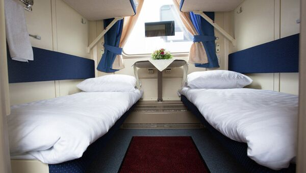 Sleeping places, four to a room in the sleeping car, in Tver Carriage Works' new double decker design. - Sputnik International