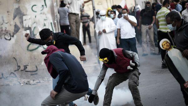 Bahraini protesters - Sputnik International